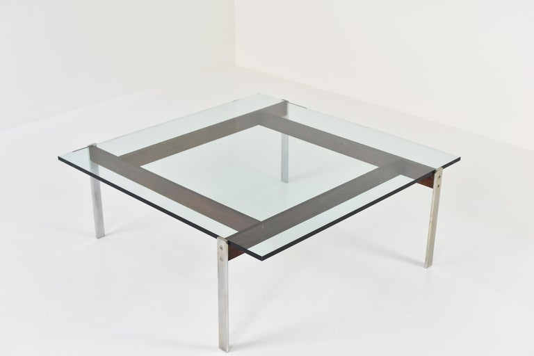 Square Modernist Coffee Table from the 1950s In Good Condition For Sale In Antwerp, BE