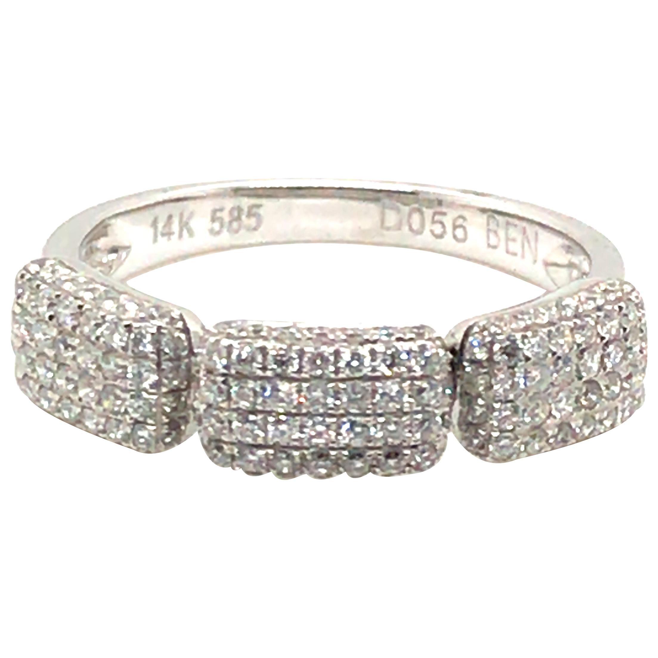 Square-Shaped Diamond Fashion Ring with 14 Karat Gold