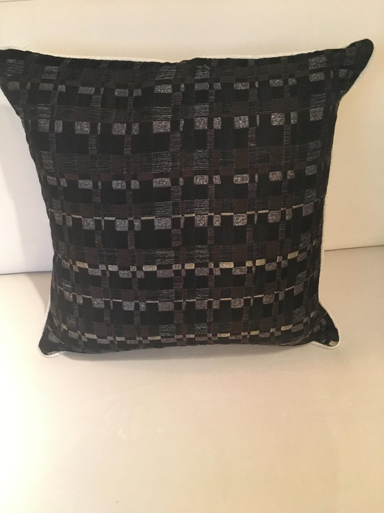 Square Throw Pillow in Dedar Reversi and Artemis Fabrics In Excellent Condition For Sale In London, GB