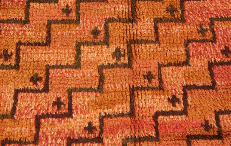 Scandinavian Modern Square Vintage Swedish Scandinavian Rug. Size: 5 ft 9 in x 5 ft 11 in For Sale