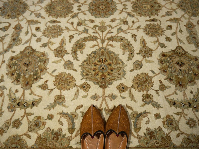 Square Ziegler Mahal Design Rug Wool Pile Beige Green New from India In New Condition For Sale In Lohr, Bavaria, DE