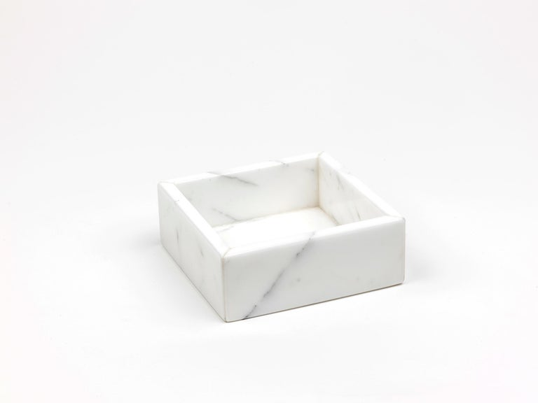 Hand-Crafted Squared White Carrara Marble Guest Towel Tray For Sale