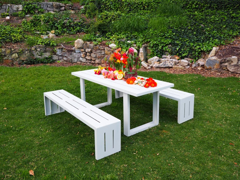 Contemporary Picnic Table / Dining Set - Aluminum  In New Condition For Sale In San Pedro, CA