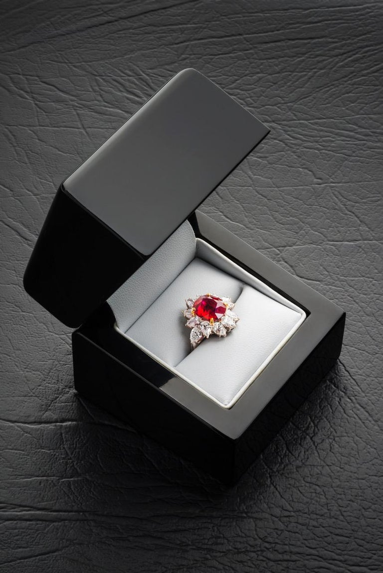 Triple Certified 4.09ct Natural Burmese Ruby & Diamond Cocktail Ring 18Kt Gold  In Excellent Condition For Sale In New York, NY