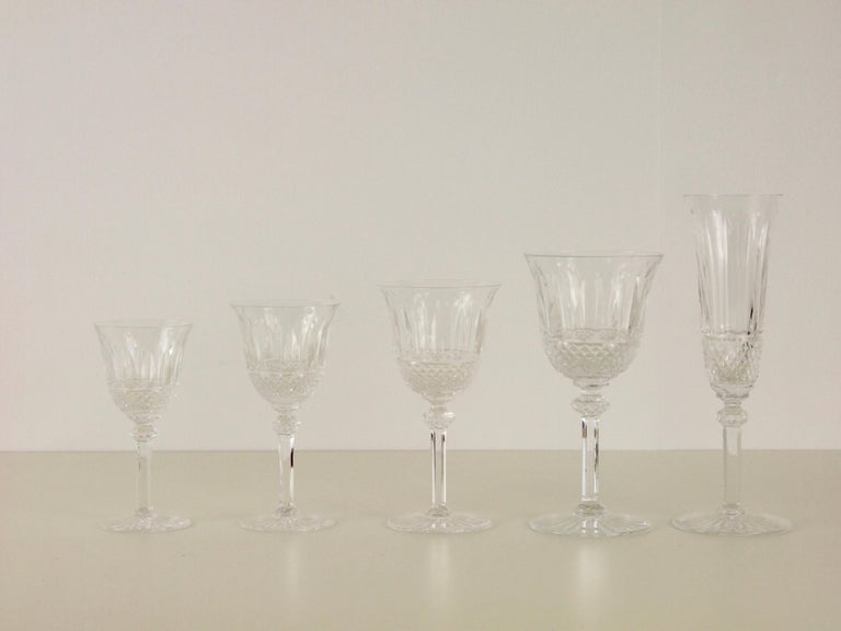 St. Louis French Extensive Set of 56 Vintage Crystal Drinking Glasses In Good Condition For Sale In Hilversum, Noord Holland