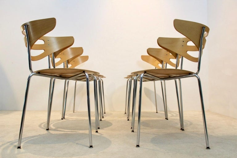 Stackable Thonet Chrome and Beechwood Curved Diner Chairs In Good Condition For Sale In Voorburg, NL