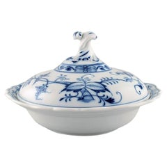 Stadt Meissen Blue Onion Patterned Lidded Tureen, Mid-20th Century