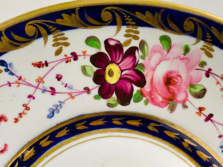 Staffordshire Porcelain Dish Decorated with Roses Made in England, circa 1820 In Excellent Condition For Sale In Katonah, NY