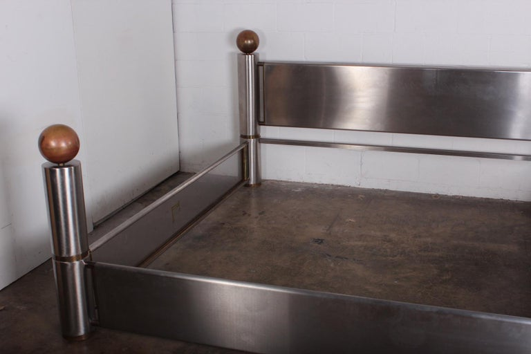 Stainless Steel and Brass Bed In Good Condition For Sale In Dallas, TX