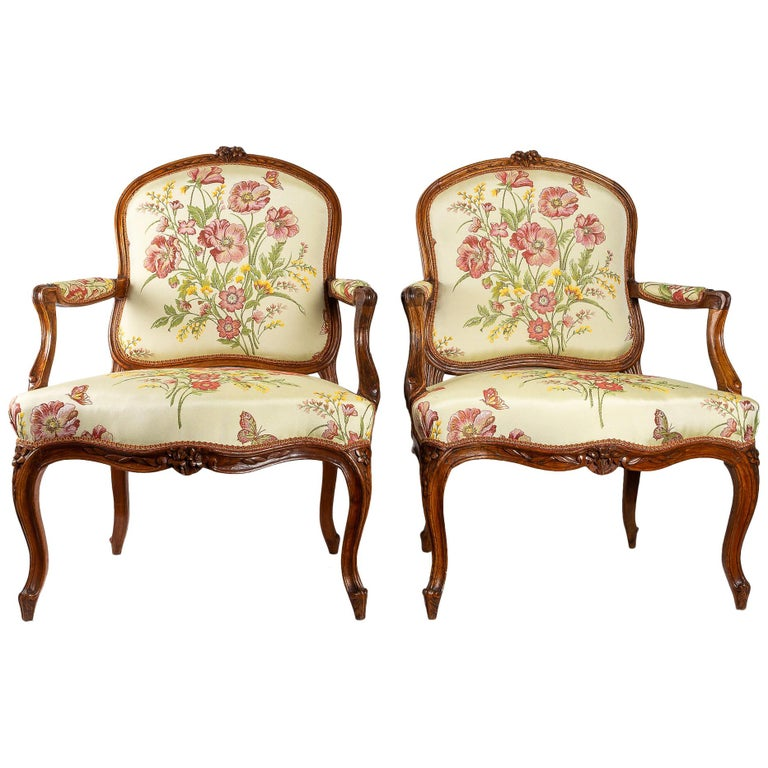 Stamped by Martin Jardin Pair of Large Louis XV Walnut Armchairs, circa 1760 For Sale