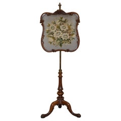 Stamped Gillows of Lancaster Walnut Height Adjustable Fire Screen, circa 1850