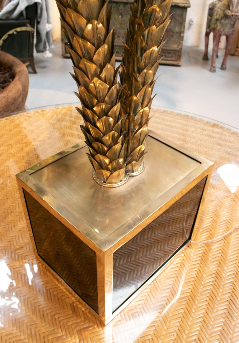 Standing Polished Golden Brass Twin Palm Lamp with a Square Base For Sale 4