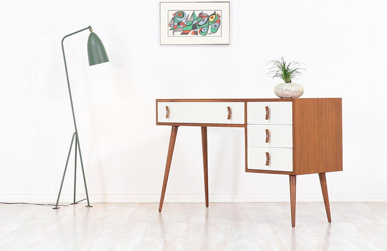Mid-Century Modern Stanley Young Lacquered and Walnut Writing Desk for Glenn of California For Sale