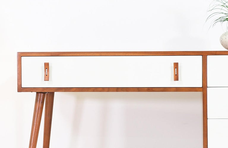 Stanley Young Lacquered and Walnut Writing Desk for Glenn of California For Sale 2