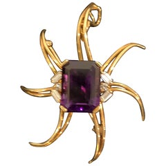 Star Pin or Pendant in 18-Karat Gold with Amethyst and Six Small Diamonds
