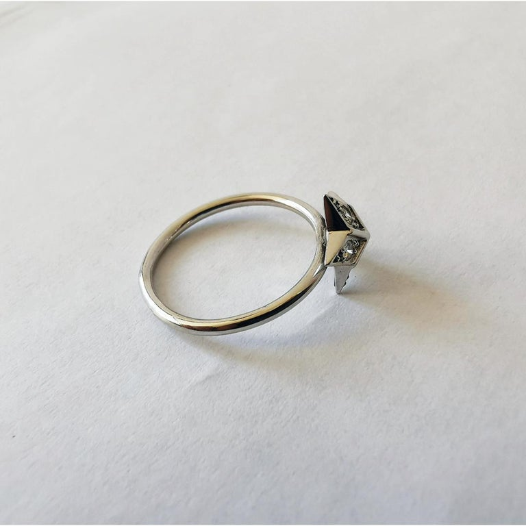 Contemporary Star Ring in 18 Karat White Gold Set with Five Diamonds by Marion Jeantet For Sale