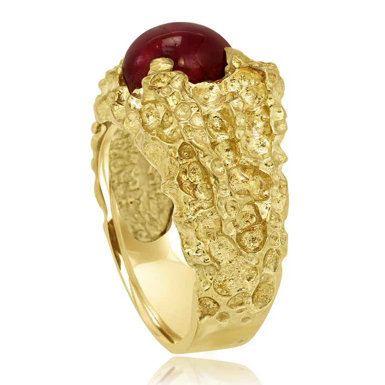 Oval Cut Star Ruby 6.05 Carat Matt Gold Finish Men Fashion Ring For Sale