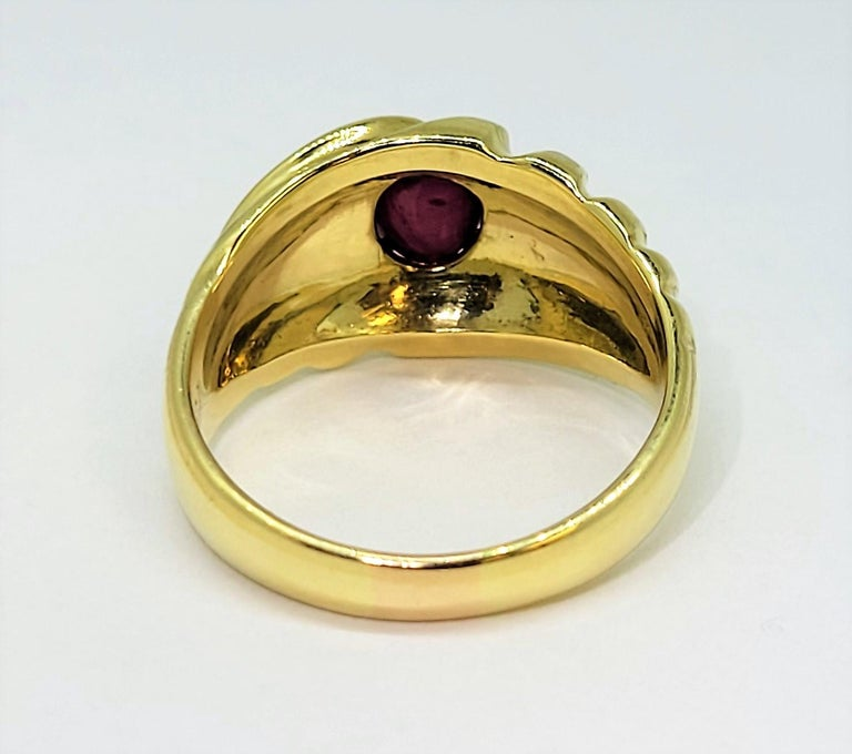 Star Ruby Ring 18 Karat Yellow Gold In Good Condition In Dallas, TX
