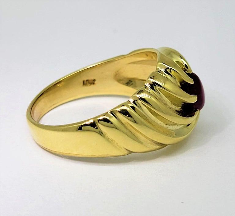 Star Ruby Ring 18 Karat Yellow Gold 1