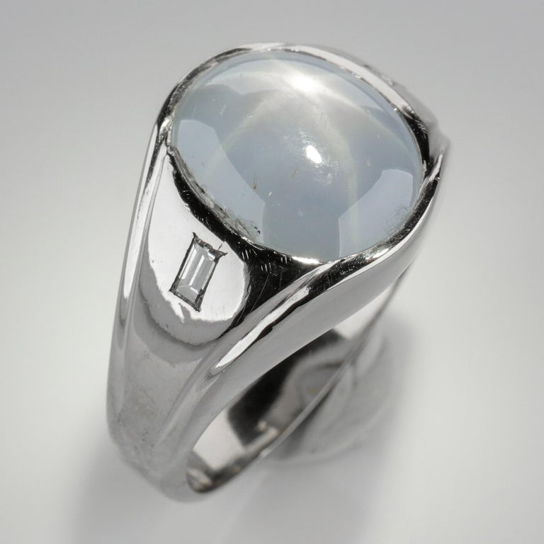 Star Sapphire Ring with Diamonds Midcentury For Sale 4