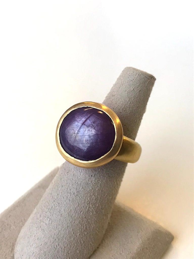 Artisan Star Sapphire/Ruby 22 Karat Yellow Gold Ring For Sale