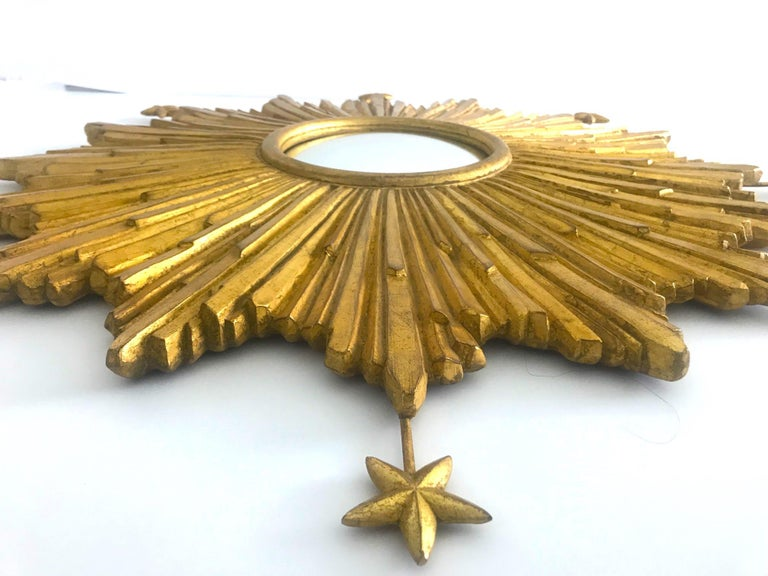 Starburst Mirror Hand Carved with Antique Gold Leaf Finish For Sale 4