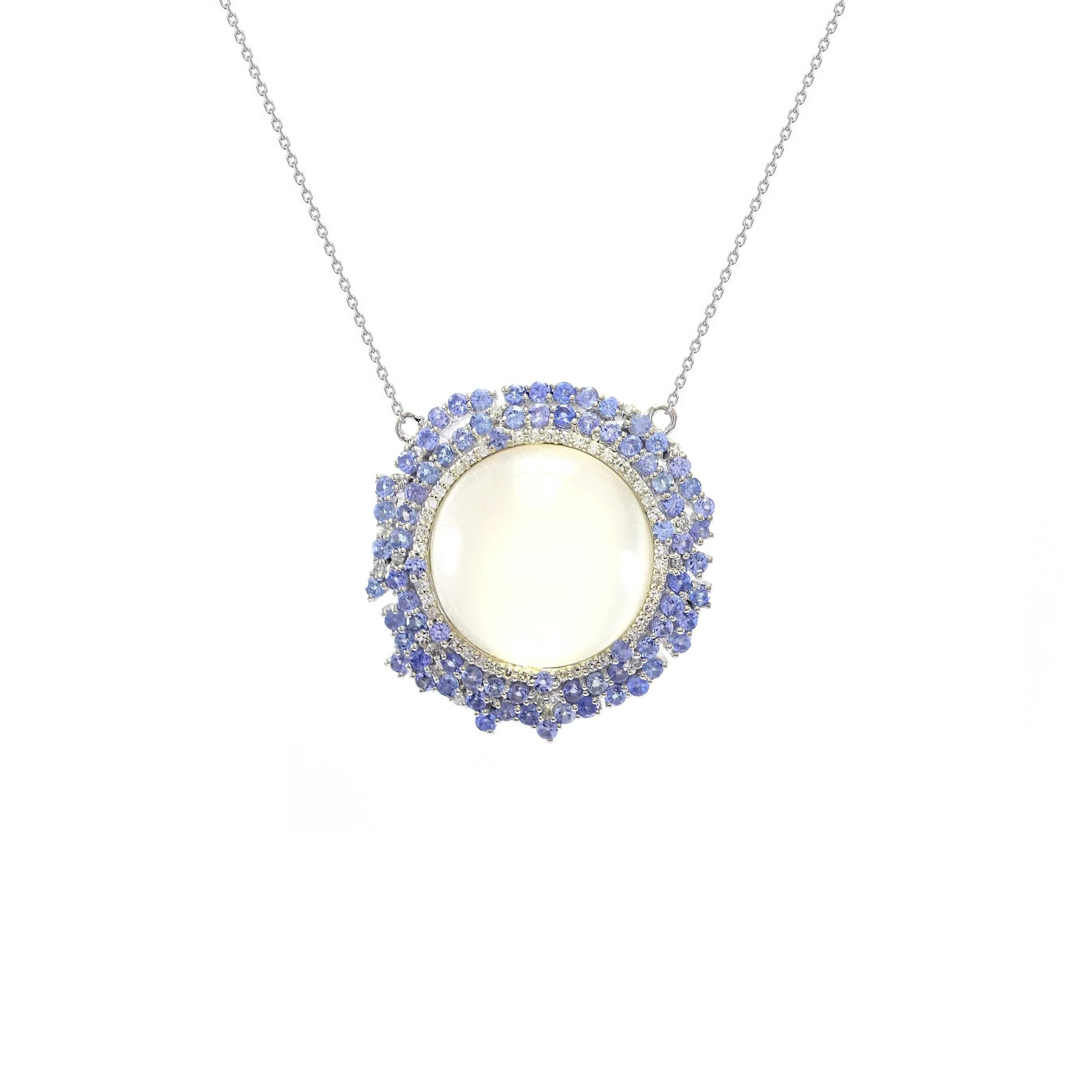 halo in necklaces gold tanzanite with white all necklace diamond tw