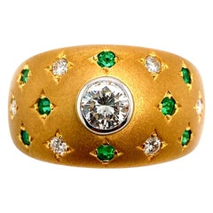 Starry Diamond and Emerald Artisanal Dome Ring in 18 Karat Gold