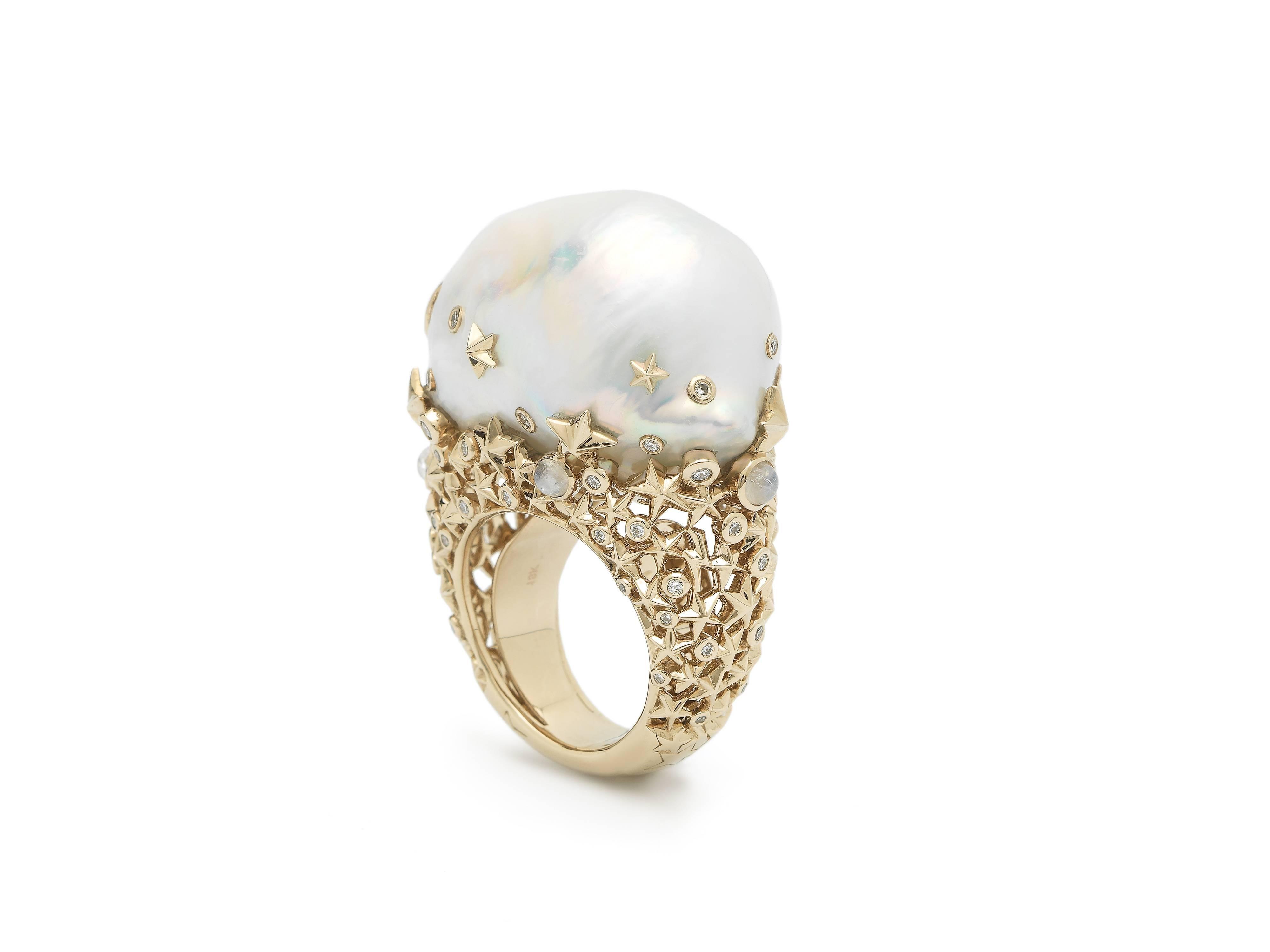 Well known 18 Karat Yellow Gold White Diamonds Baroque Pearl Moonstone  JW26