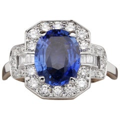 Statement 2.72 Ct Natural Ceylon Sapphire 1.10 Carat Diamond 18 Kt Vintage Ring