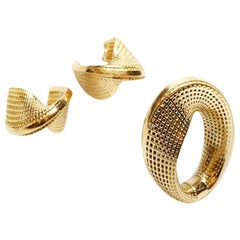 18 Karat Yellow Gold Statement Hoop Earrings, Small Mobius, Fine Jewelry.
