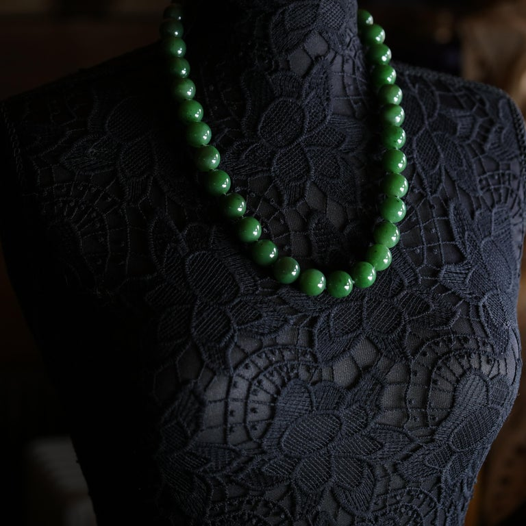 Statement Necklace of Jade, Gold and Diamonds For Sale 1