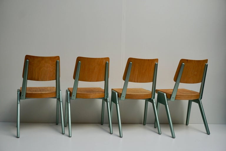 Ste of Four Plywood Dining Chairs In Good Condition For Sale In Antwerp, BE