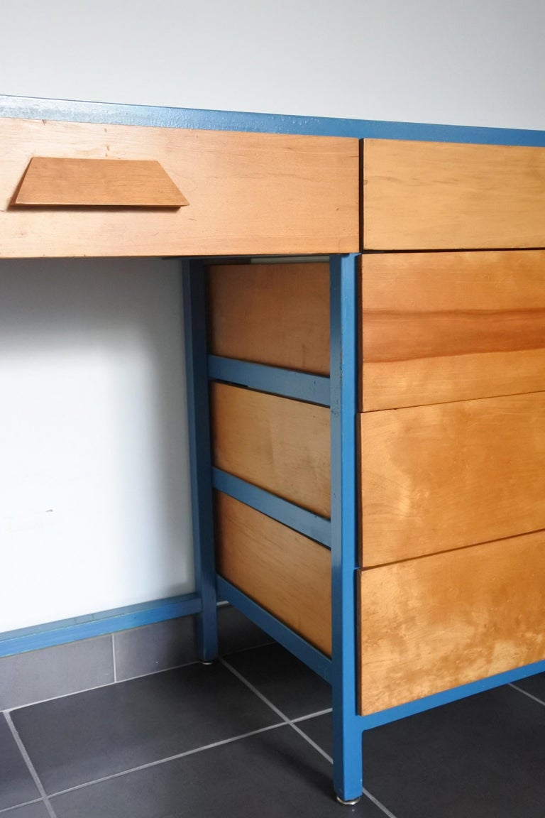 Mid-Century Modern Steel Frame and Maple Vanity and Dresser Attributed to Vista of California, USA For Sale