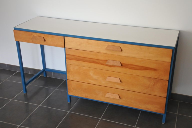 Steel Frame and Maple Vanity and Dresser Attributed to Vista of California, USA For Sale 2
