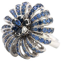 Stefan Hafner Diamond and Sapphire 18 Karat White Gold Ring That is Alive