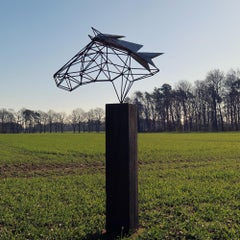 "Outdoor wire sculpture - ""Wire Horse"" on a quadratic oxidised oak pedestal"