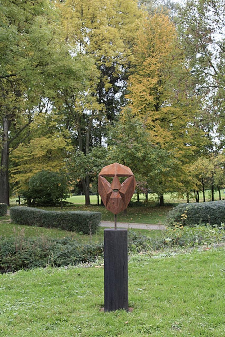 "German Steel Polygon Sculpture - ""Mask I"" on an oxidised oak pedestal - handmade"