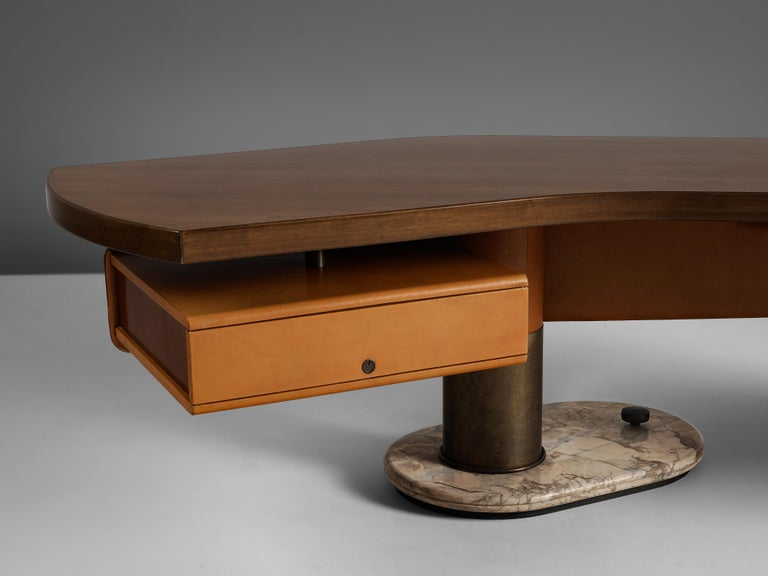 Stefano Mastuzzi Boomerang Desk 'Zero' in Walnut In Good Condition In Waalwijk, NL
