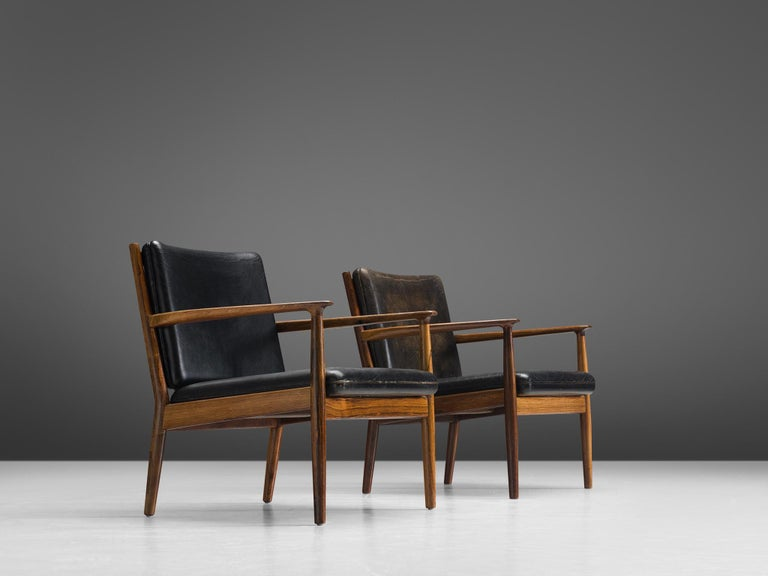 Mid-20th Century Steffen Syrach Larsen Pair of Easy Chairs in Rosewood and Black Leather For Sale