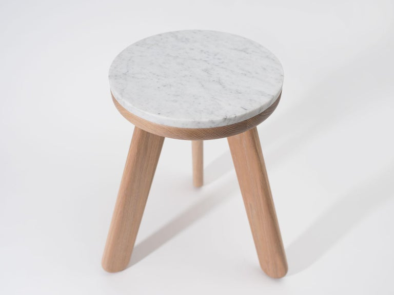 Stele 1 Contemporary Handmade Side Table in Carrara Marble and Oak by Pat Kim In New Condition For Sale In Brooklyn, NY