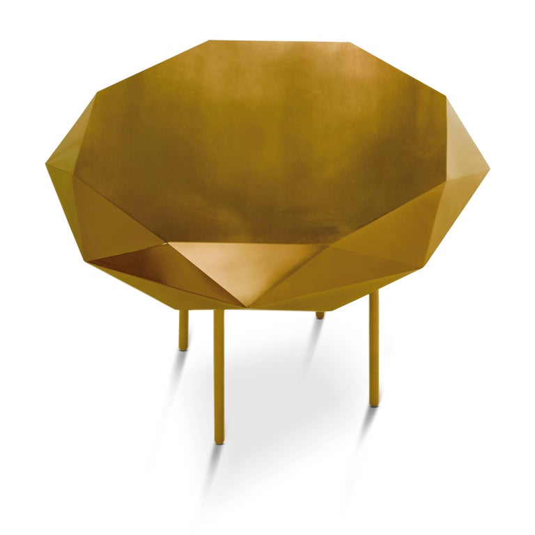 Stella coffee table medium gold is gold, circular with a starry edge, delightful in any interior space. The table is from the 88 secrets collection designed by Nika Zupanc for scarlet splendour.  Material: Metal with gloss finish.