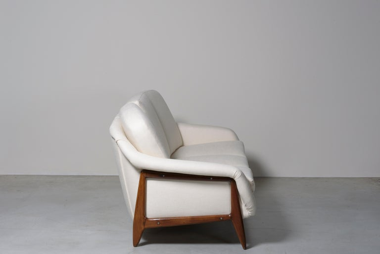 Mid-Century Modern Stella Sofa by Sergio Rodrigues For Sale