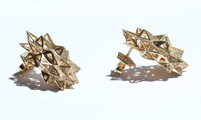 Stellated Gold and Diamond Stud Earrings In New Condition For Sale In Coral Gables, FL