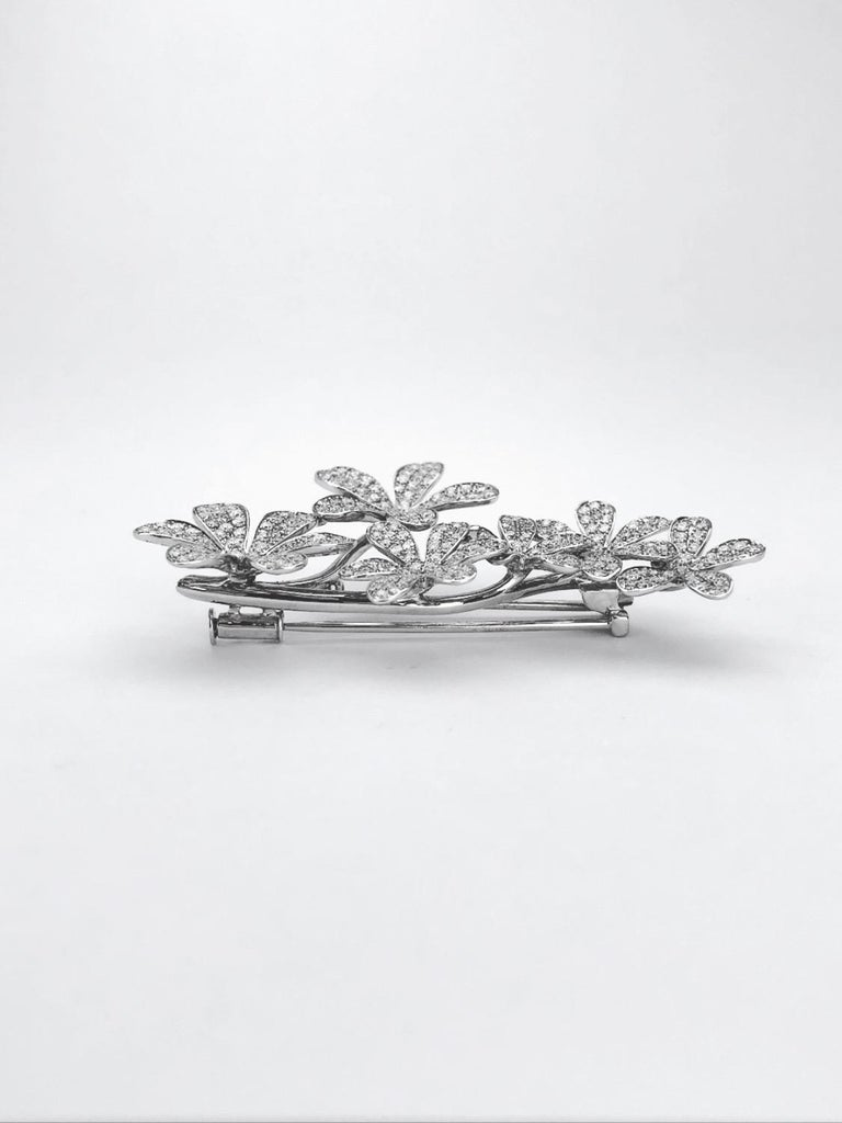 Stenzhorn 18 Karat White Gold Brooch with Six 3.20 Carat Diamond Flowers In New Condition For Sale In New York, NY