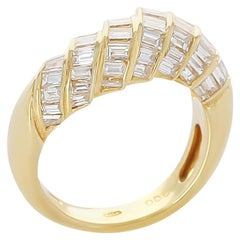 Step-Design Baguette Diamond Ring, 18 Karat Yellow Gold