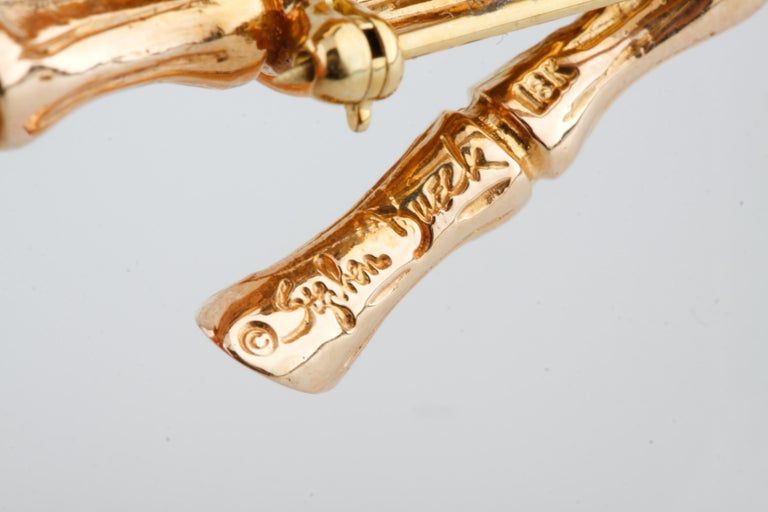 Women's Stephen Dweck Carved Coral Brooch/Pin in 18 Karat Rose Gold For Sale