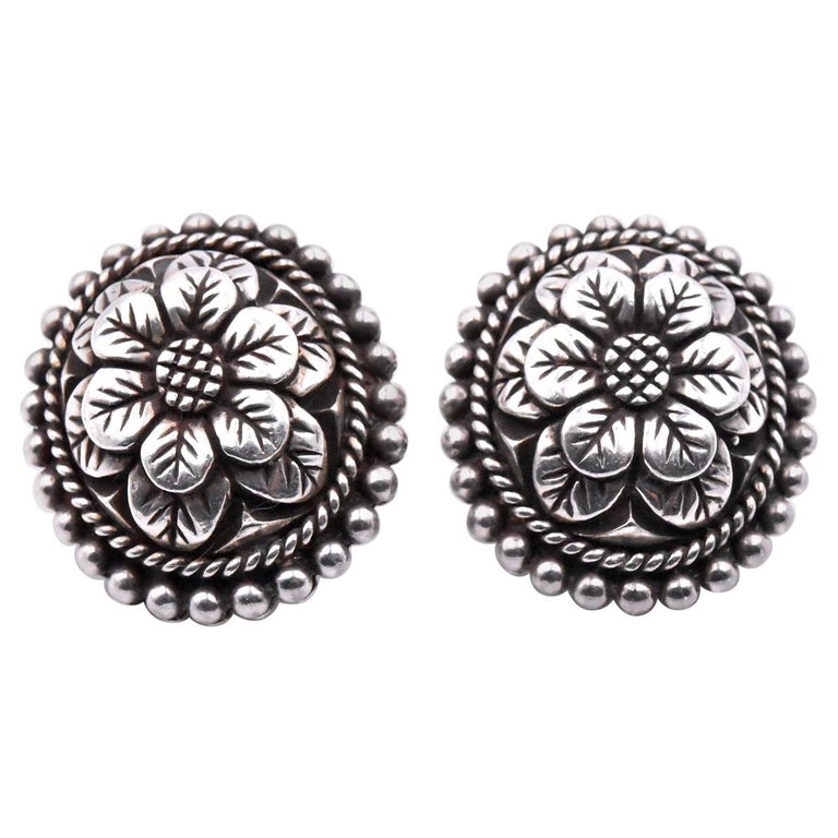 Stephen Dweck Carved Flower Clip-On Earrings For Sale