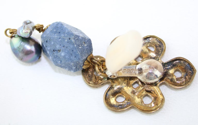 Stephen Dweck Celtic Knot Blue Coral & Pearl Brass Clip-On Earrings In New Condition For Sale In New York, NY