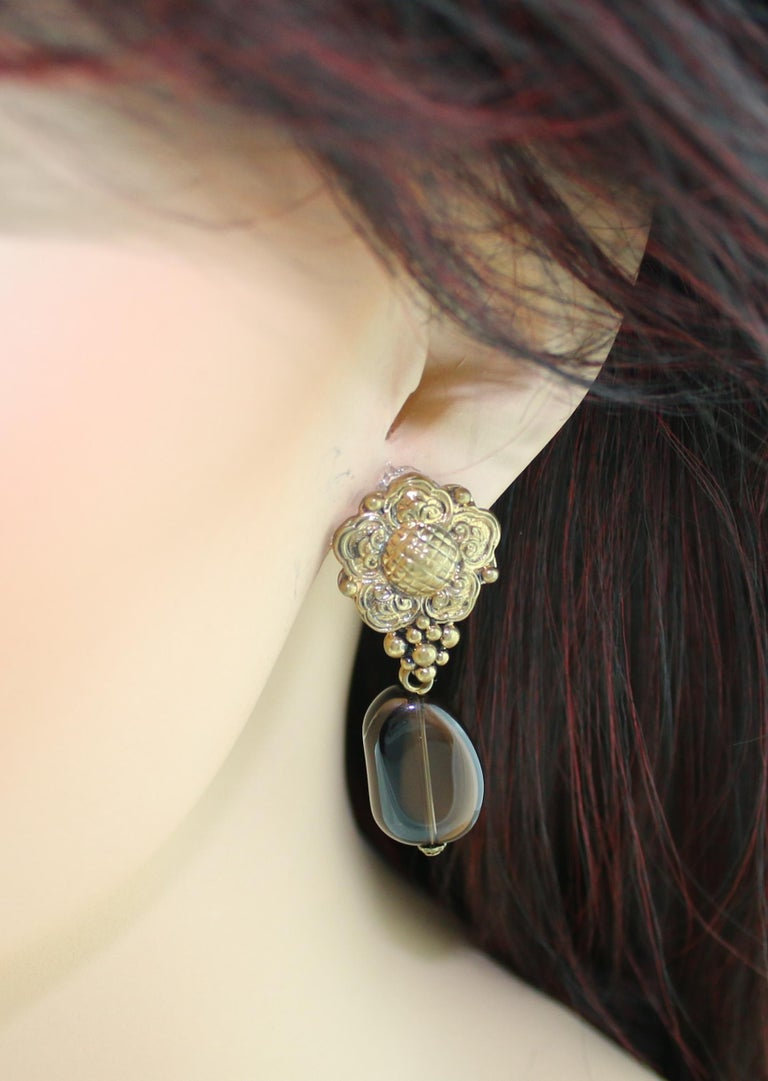 Stephen Dweck Smokey Quartz Floral Clip-On Brass Earrings In New Condition For Sale In New York, NY